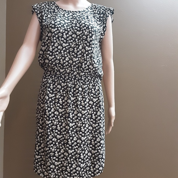H M Dresses H M Womens Dress Short Sleeves Size 6 Poshmark